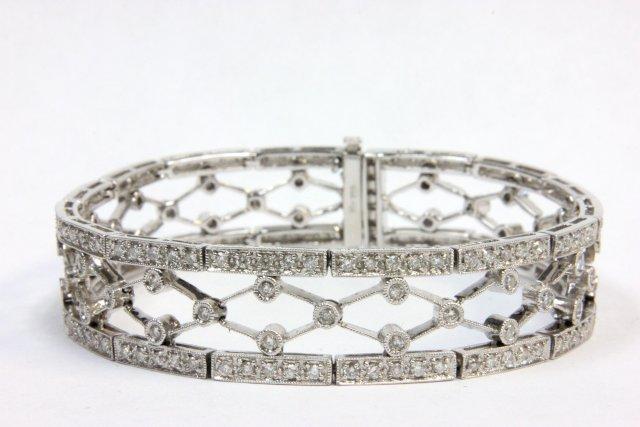 18kt white gold  & diamond bracelet
