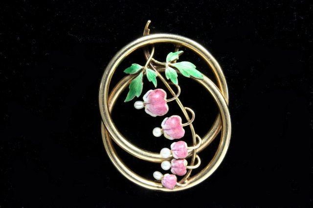 14kt  gold & enameled pin with pearls