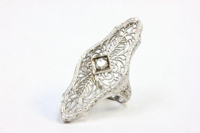 14kt white gold ladies dinner ring