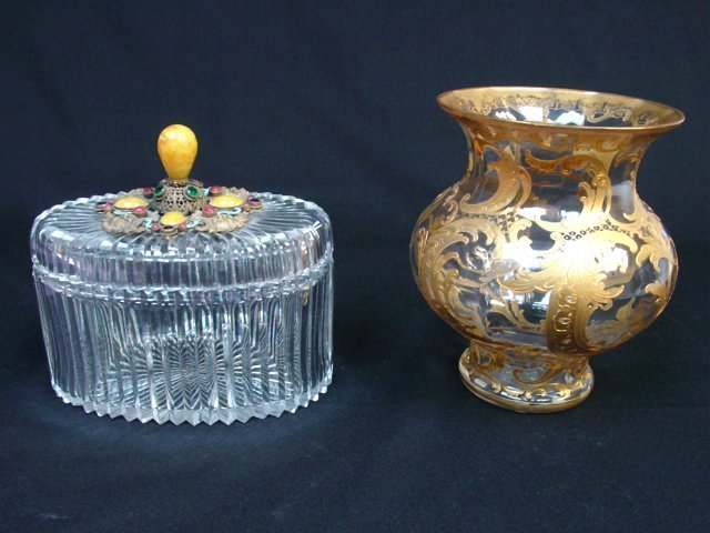 2 decorative glass items