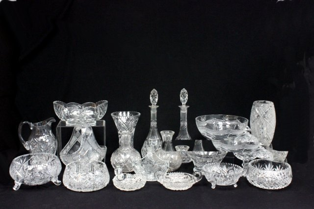 19 pieces of cut crystal