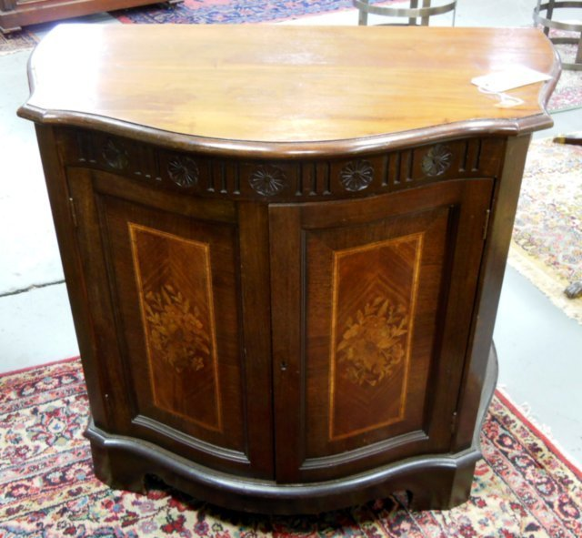 Inlaid 2 door commode