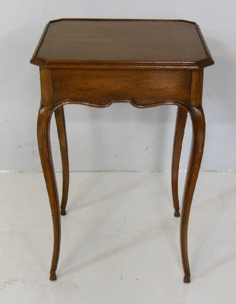 Country French end table with 1 drawer