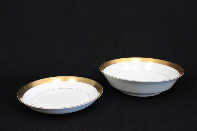 "Mikasa bone China dinnerware set ""Harrow"" pattern - 5"