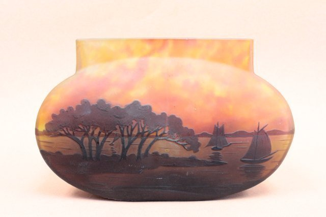 "Daum cameo vase with ""Lake Scene"" signed - 4"