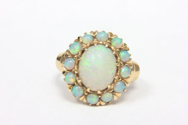 14kt yellow gold & opal ring