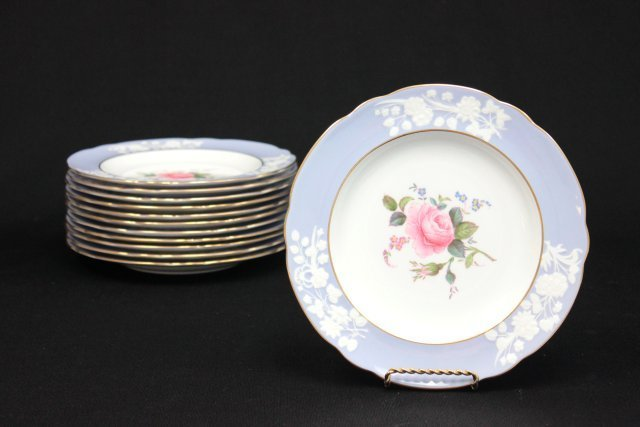 Set of 12 Spode Copelands China luncheon plates