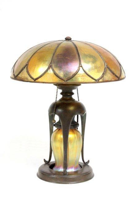 Signed Tiffany lamp #10752
