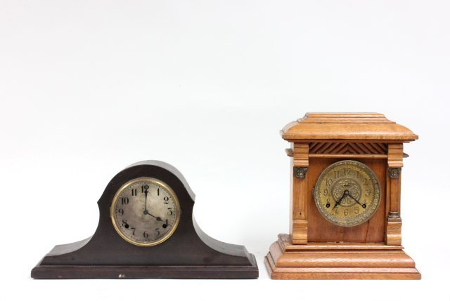 2 early 20th c. wood mantle clocks