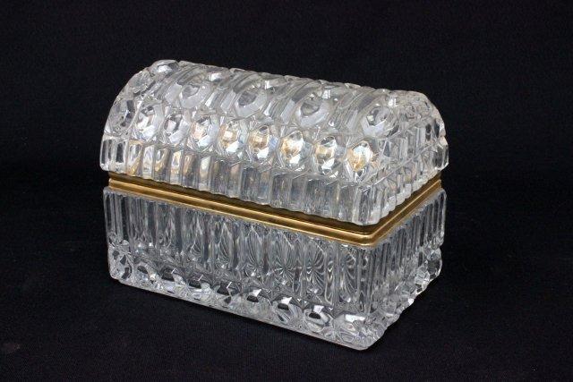 Glass jewelry casket
