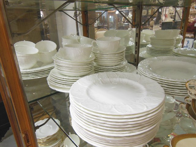 Wedgwood Country ware dinner service