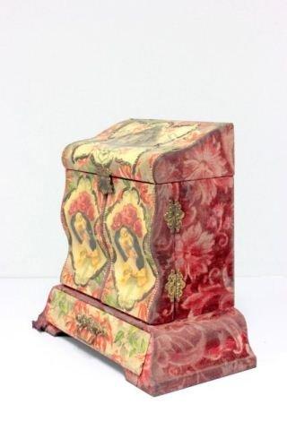 19th c. Victorian dresser box