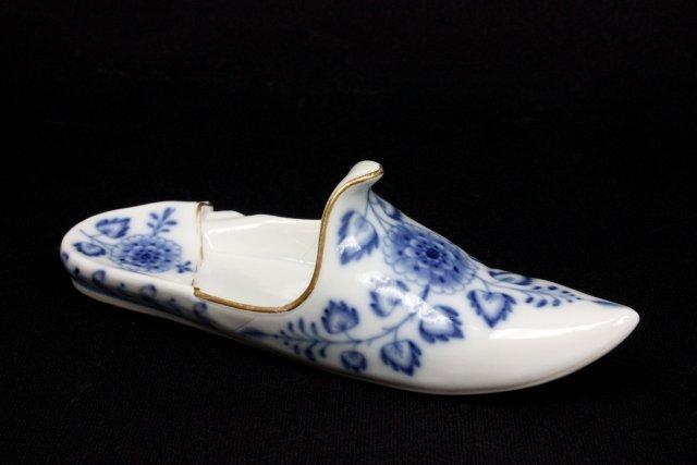 "Miniature Meissen blue & white ""Slipper"""