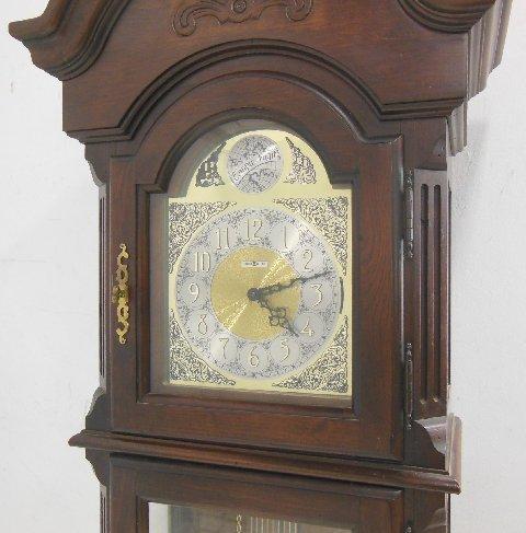Howard Miller grandfather clock tempus fugit - 2