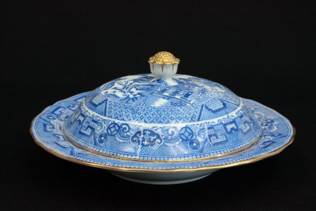 Spode Copelands China covered dish