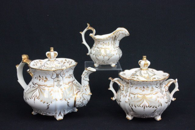19thc English porcelain 3 piece teaset