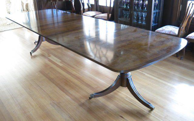 Banded mahogany Henredon dining room table