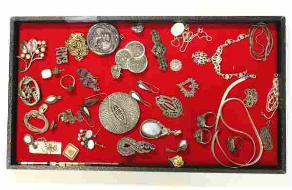 Group Lot of Jewelry