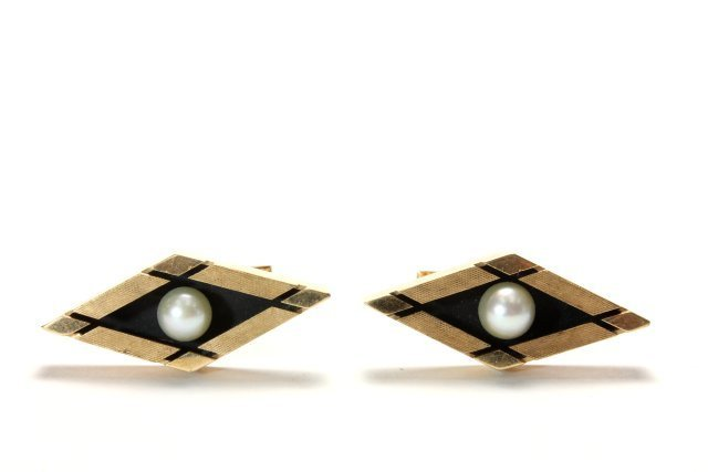 Pair 14K Gold Cufflinks with Pearls