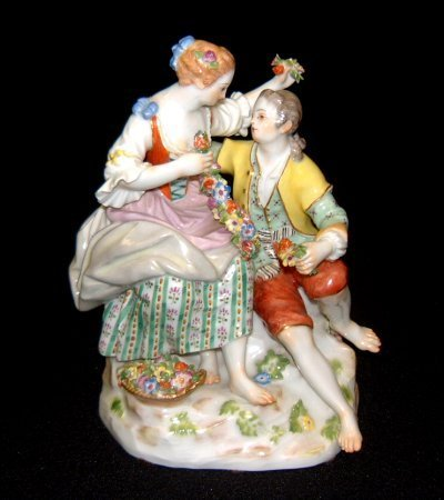 831: LATE 19TH C. MEISSEN FIGURE OF LOVERS