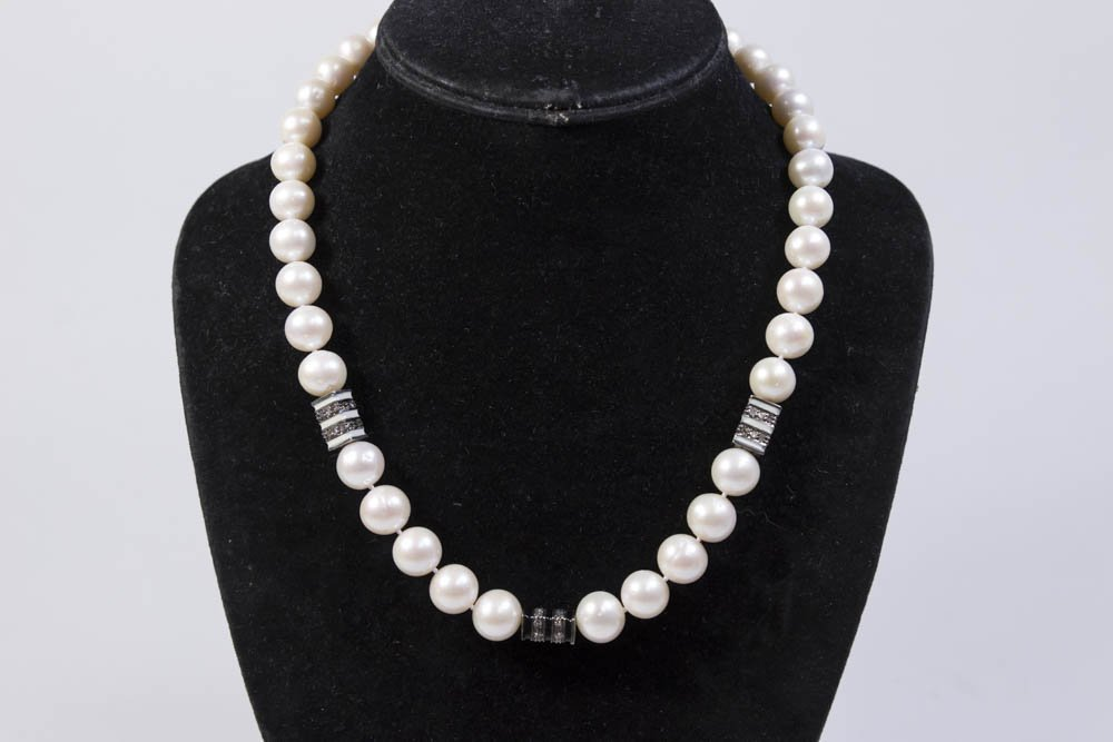 18K Gold & Pearl Necklace