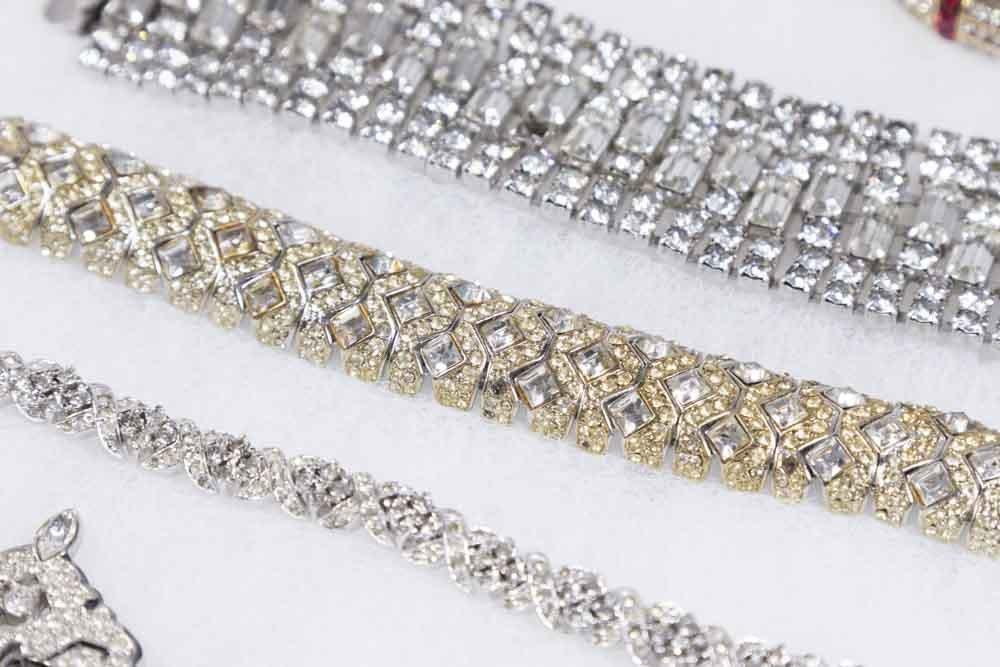 Tray of Costume Jewelry - 4