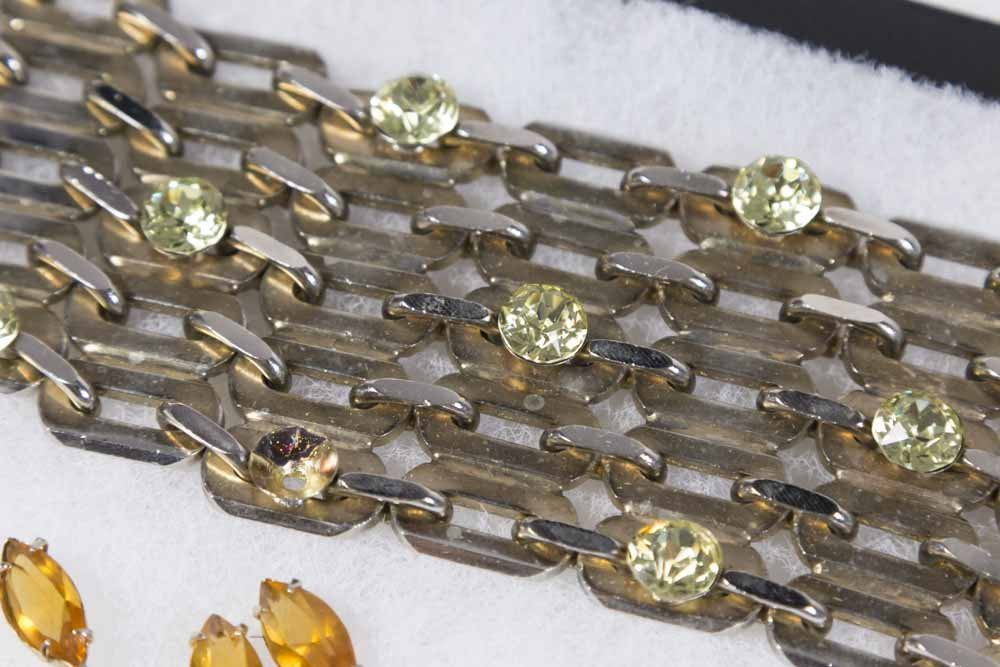 Tray of Costume Jewelry - 8