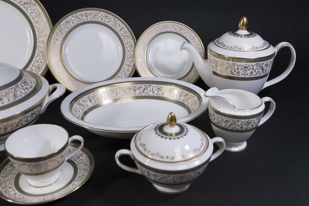 Minton Bone China Dinnerware Set - 3