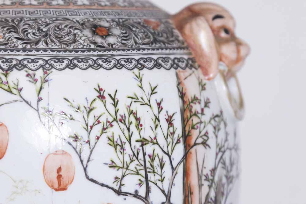 Famille Rose Chinese Porcelain Vase - 4