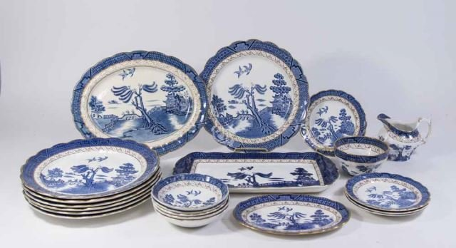 :Booths English Dinnerware by Pearl Old Willow