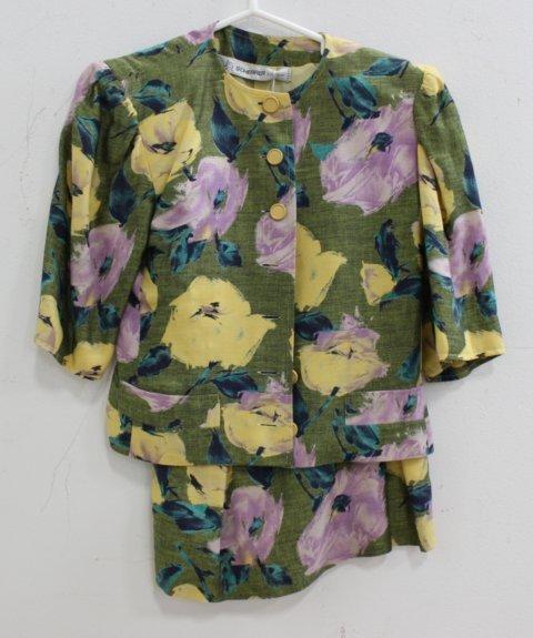 5 Women's Vintage Designer Casual Suits & Pieces - 6