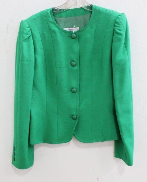 5 Women's Vintage Designer Casual Suits & Pieces - 7