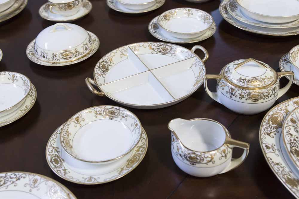 Noritake Gilded Dinnerware Set - 4