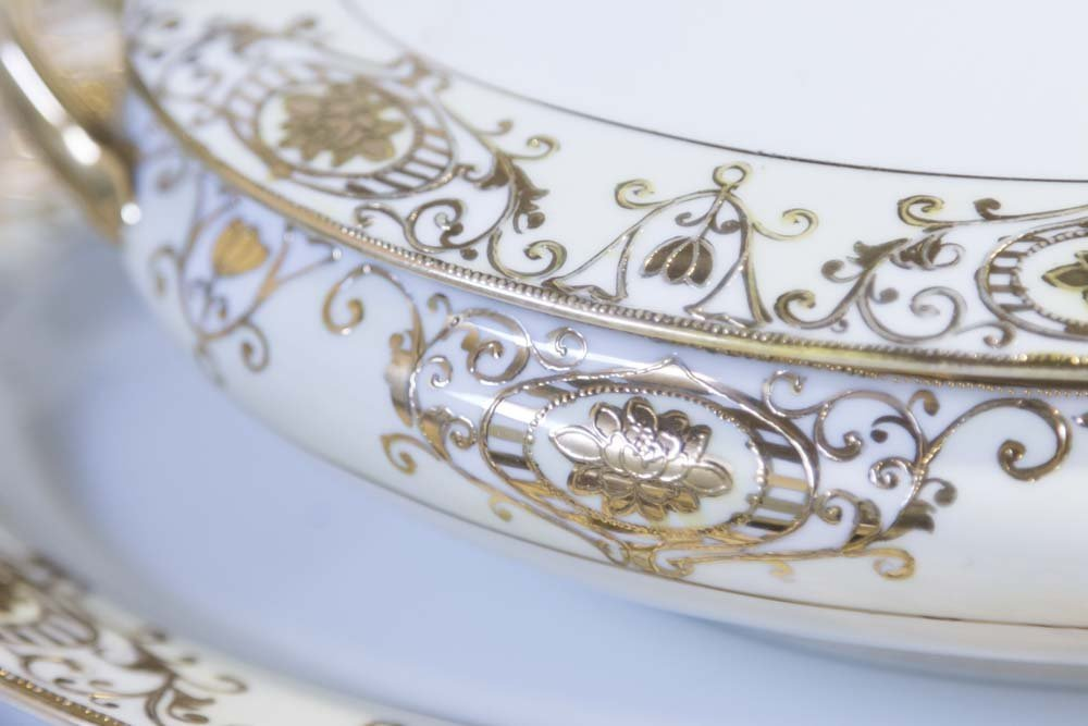 Noritake Gilded Dinnerware Set - 5