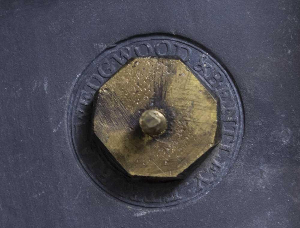 2 Wedgwood & Bentley Urns - 3