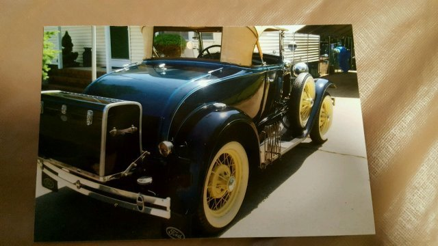 1931 Ford Model A Roadster - 3