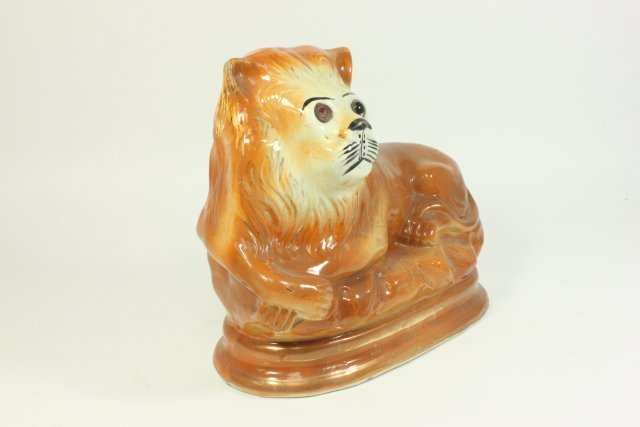 Matched Pair of Staffordshire Ceramic Lions - 5