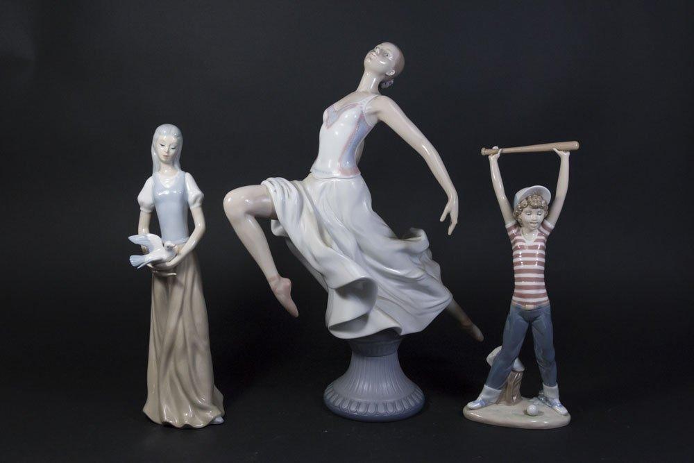 3 Lladro Porcelain Figures