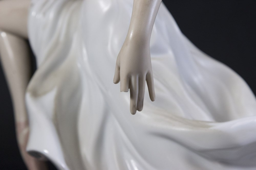 3 Lladro Porcelain Figures - 4