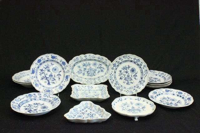 Group 14 Meissen Porcelain Plates & Soup Bowls