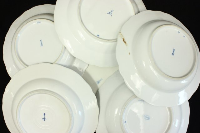 Group 14 Meissen Porcelain Plates & Soup Bowls - 5
