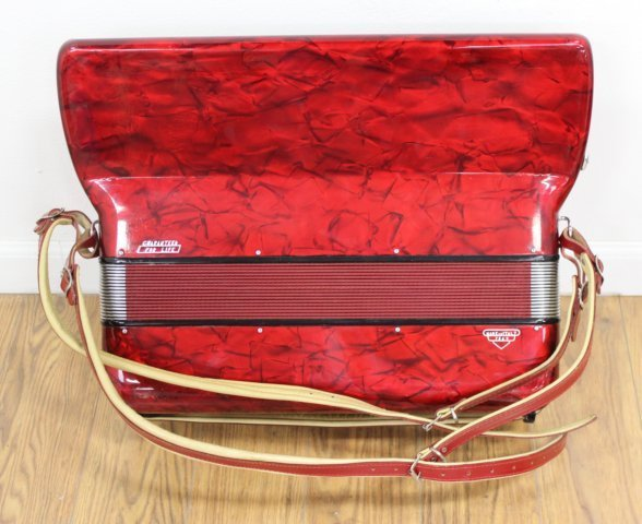 Silvio Soprani Red Pearlized Case Accordion - 4