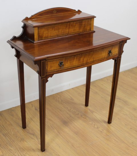 Late 19th C. Georgian Style American Lady's Desk - 2