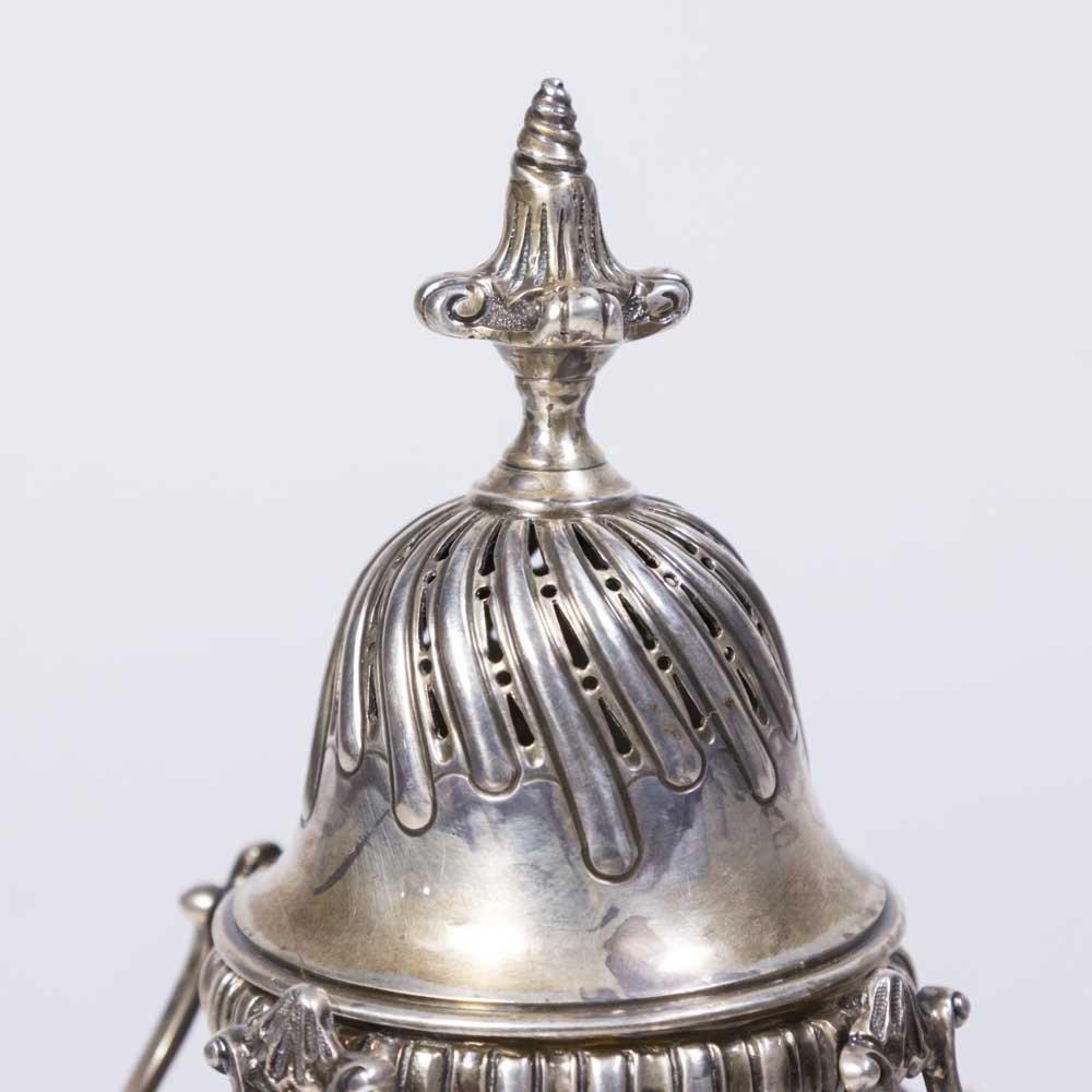 19th Century English Sterling Silver Castor - 3