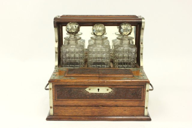 Carved Oak Humidor Box & Matching Tantalus - 2