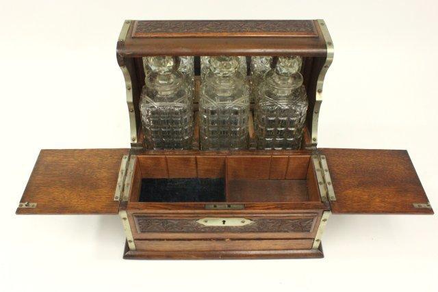 Carved Oak Humidor Box & Matching Tantalus - 4