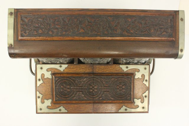Carved Oak Humidor Box & Matching Tantalus - 6
