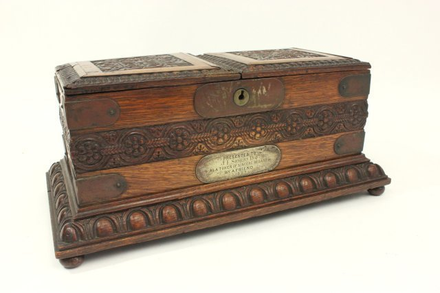 Carved Oak Humidor Box & Matching Tantalus - 7