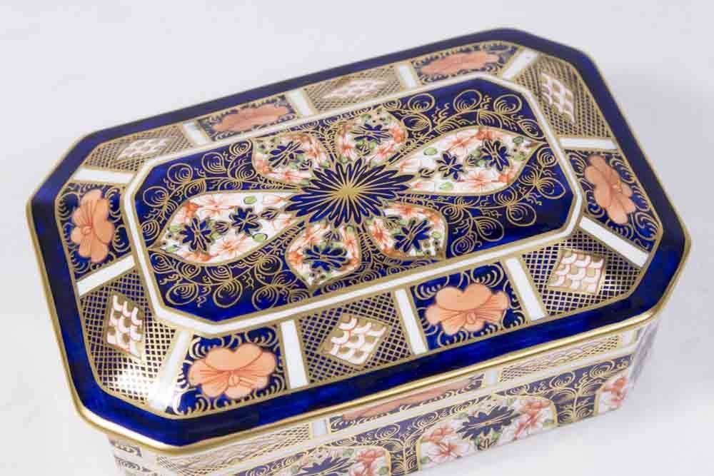 Royal Crown Derby Covered Box - 2