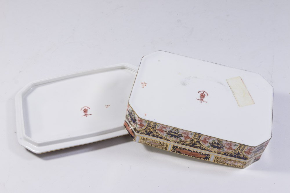 Royal Crown Derby Covered Box - 5